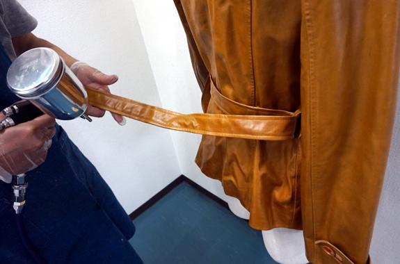 革衣類のリペア